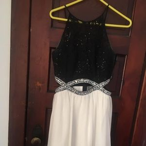 Speechless Black & White Prom Dress w/ Zipper